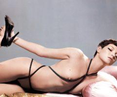 Кейт Мосс фотографии топлесс для календаря Pirelli