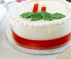Белый Рождественский торт