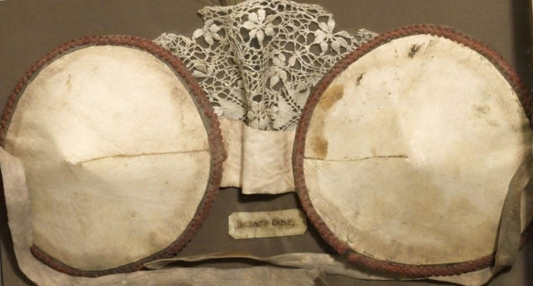 Революционное открытие бюстгальтеру более 600 лет