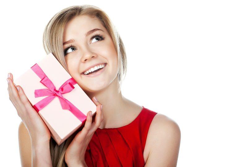 ТОП-10 подарков девушке на 14 февраля