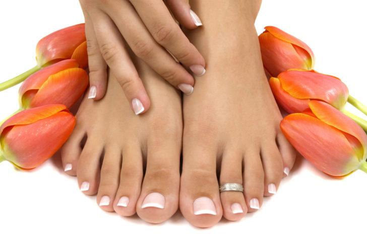 Ступни и косточки на пальцах ног
