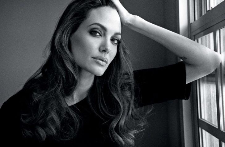 Анджелина Джоли сыграет свою мать